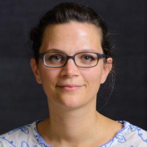 Dr. Eva Kobak